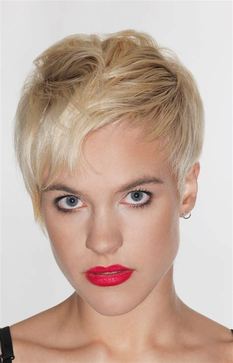 haircut reverse triangle face inverted pixie hairstyles fade haircut