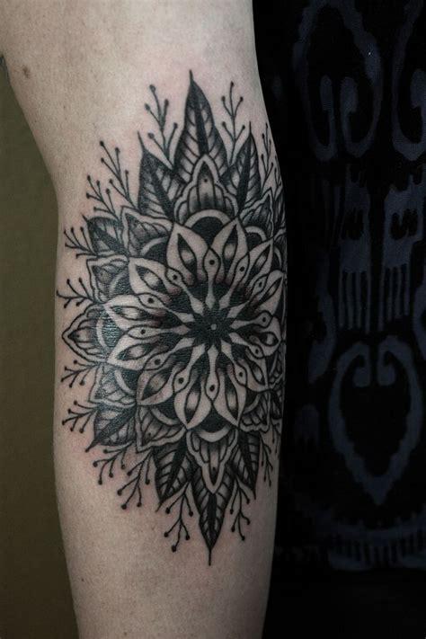 Tattoo Mandala Pinterest | 25 best ideas about floral mandala tattoo on pinterest