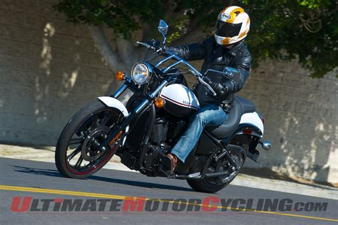 Kawasaki Vulcan 900 Custom Review   Cruiser Motorcycle