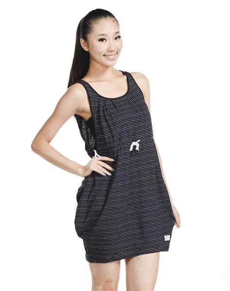Casual Top Atasan Pakaian Informal Wanita Khaki Classic Style M 33 terjual pakaian casual adidas pria wanita all original kaskus