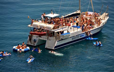 catamaran booze cruise barcelona catamaran basique enterrementviedecelibataire net