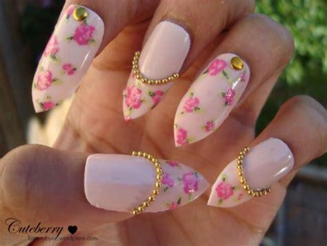 fiore sulle unghie nail primavera 2014 in tema floreale