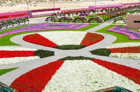 Largest Flower Garden In The World Dubai Miracle Garden The Most Attractive Garden In The World