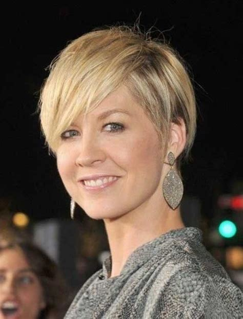 30 best short haircuts for women over 40 short 20 photo of short haircuts for women in 40s