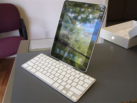 apple keyboard for ipad ipad keyboard dock hands on imore