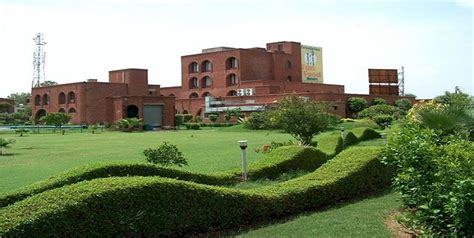 club mahindra holidays review club mahindra holidays new delhi rooms rates photos