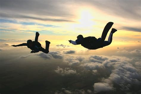 parachute dive skydiving in australia sky dive help