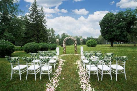 outdoor wedding venues what to look for in outdoor wedding venues