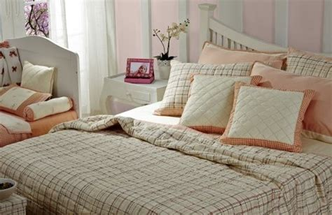 what is the difference between a coverlet and a bedspread what is the difference between a quilt and coverlet 28