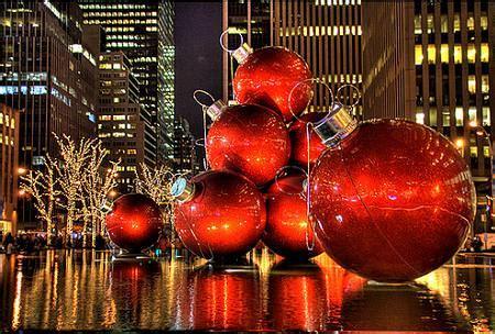Agradable Arboles De Navidad Adornos #8: Bolas-navidad-ciudad.jpg