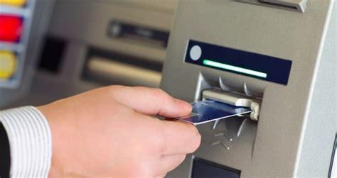 La Banca Pu簷 Bloccare La Carta Di Credito by Bloccare Il Bancomat Lista Numeri Verde Money Leonardo It