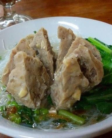 Bakso Tennis Urat 30 rekomendasi tempat makan bakso enak