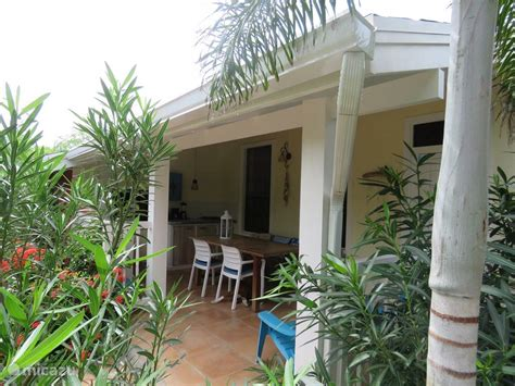Aruba Appartments by Rent Apartment In Mangooz Guesthouse In Oranjestad