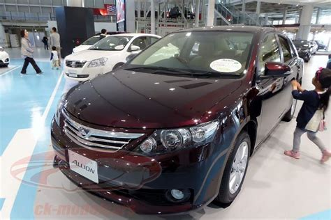 Toyota Allion Taking The Model Car Display Cases In