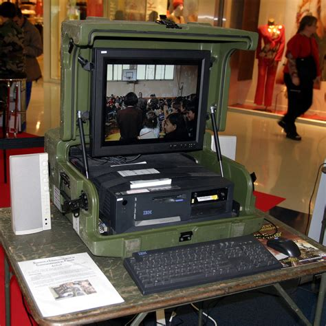 File Ordi Portable Milouf Img 0999 Jpg Wikimedia Commons Portable Gaming Desk