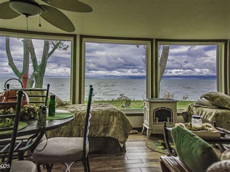 lake house rentals ohio vermilion ohio beautiful lake front beach house vermilion ohio rentbyowner com