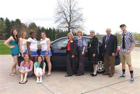 Key Hyundai Vernon Ct Rockville High Project Graduation Gives Away Key Hyundai