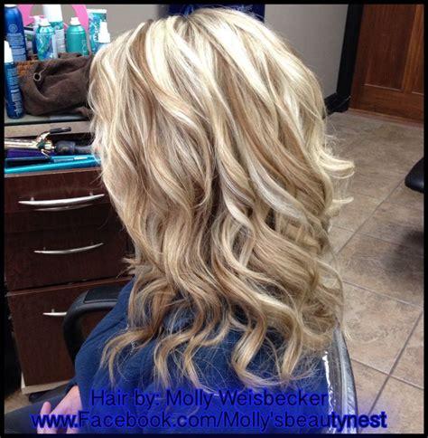 lowlight placement in bleached blond hair platinum blonde hi lights with golden blonde lowlights