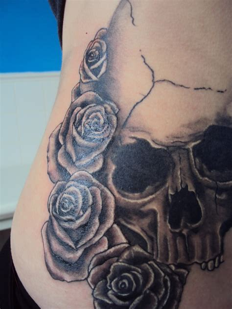 amelia rose tattoo skull and roses by ameliaeerie on deviantart