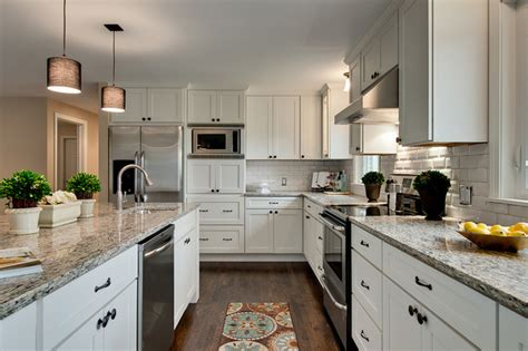 Clique Kitchen Cabinets Modern White Shaker Kitchens Traditional Kitchen Minneapolis By Cliqstudios