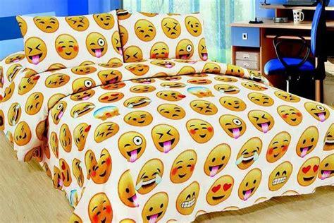 emoji wallpaper for bedroom walls 137 best emoji stuff images on pinterest smileys