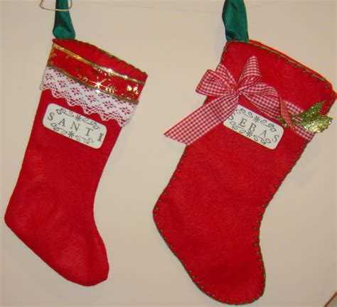 botas navide as aprender manualidades es facilisimo botas navidenas de fieltro aprender manualidades es
