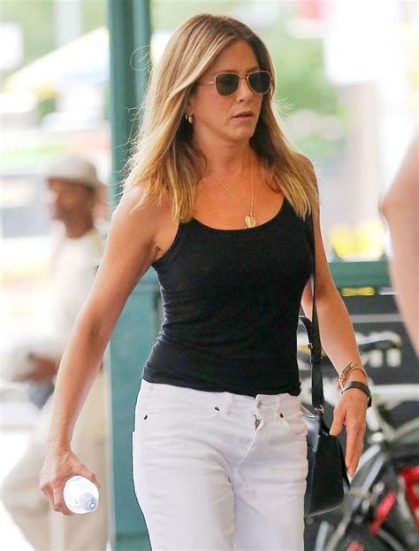 jennifer aniston recent news jennifer aniston casual style out in new york city 6 29 2016