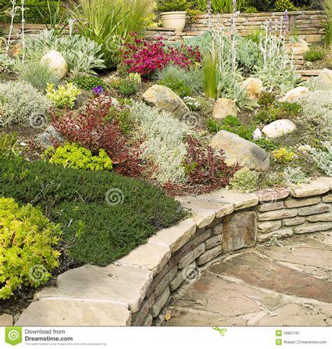 giardino senza prato idee per creare giardini senza prato se non hai tempo di