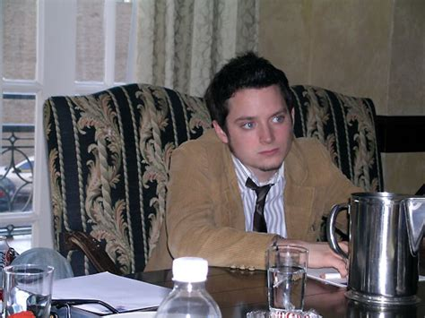 elijah wood you are my sunshine quint chats with elijah wood charlie hunnam claire
