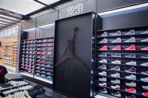 Home Design Stores Las Vegas shoe palace 187 retail design blog