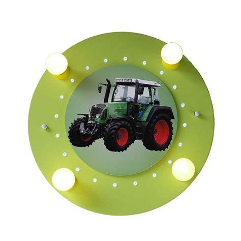deckenleuchte kinderzimmer grun verspielte deckenleuchte f 252 rs kinderzimmer mit traktor in