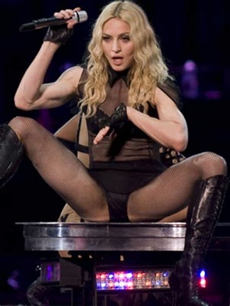 taylor swift bendy boat railing guy ritchie madonna s legs are olympic standard celebsnow