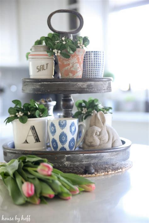 Etagere Ostern by How To Style A Tiered Tray My Secret Formula For