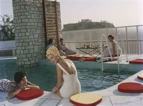 libro poolside with slim aarons le donne di slim aarons
