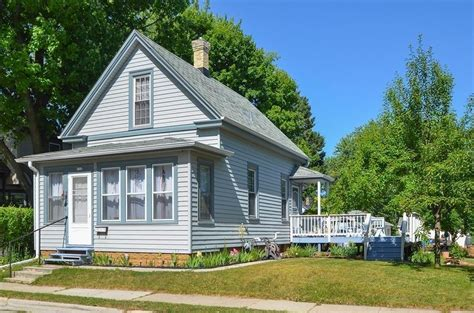 Small Homes For Sale Wisconsin Charming Home Near Downtown Small Home Listings Small