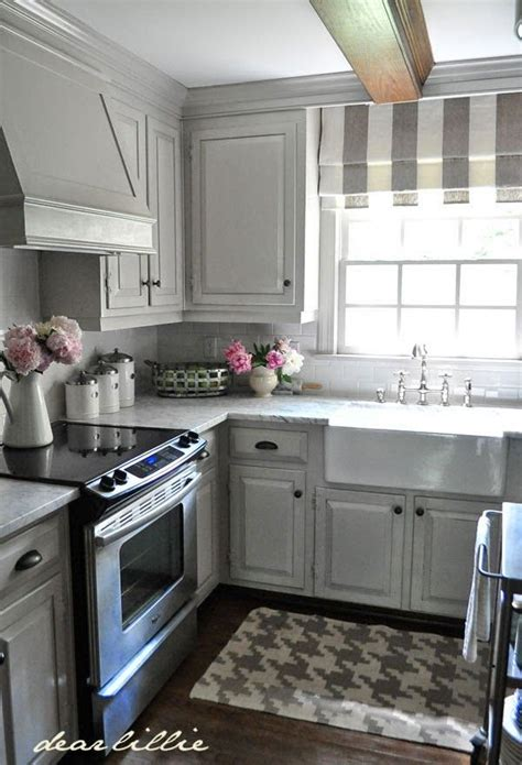 different kitchen cabinets 1000 ideas about light gray cabinets on pinterest grey
