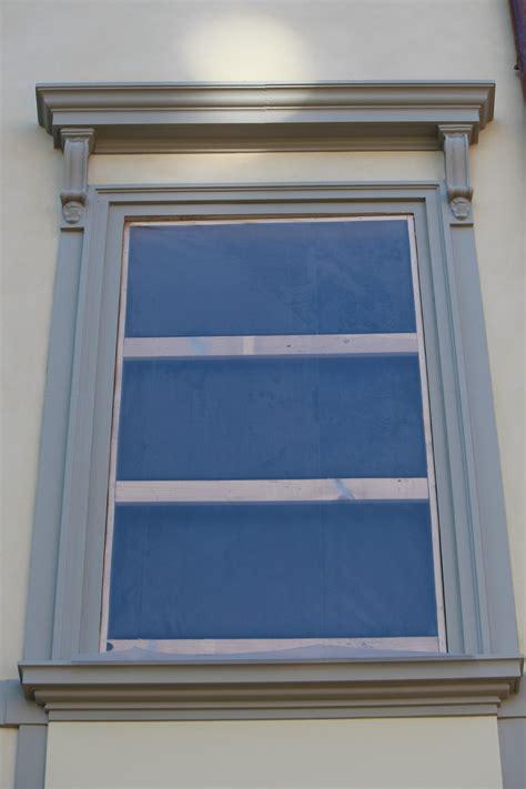 cornice finestre cornici decorative in polistirolo eps per facciate