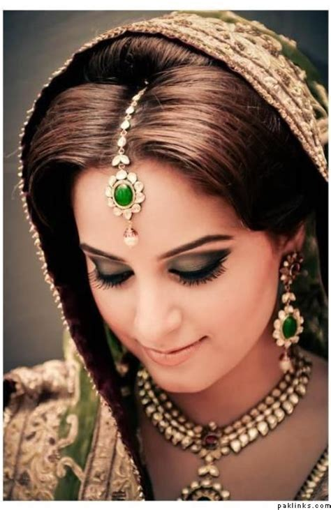Indian Hairstyles With Tikka | maang tikka hairstyle necklace indian bridal jewelry