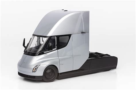 2020 Tesla Semi by Tesla Semi Truck Production Pushed Back To 2020 Auto Express
