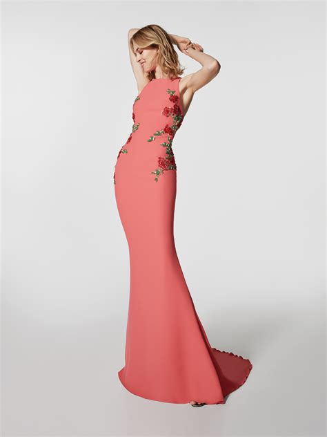 cocktail jurken pronovias red cocktail dress long dress grondal sleeveless