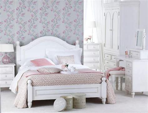 White Bedroom Ls by Styl Prowansalski W Sypialni Inspirujące Aranżacje
