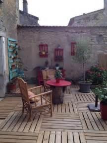 Charmant Idee Deco Jardin Pas Cher #3: e4b19d2703bce70d_8848-w400-h534-b0-p0--campagne-terrasse-en-bois-et-balcon.jpg