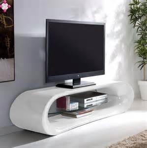 Ordinaire Meuble Tv Verre Trempe #4: Meuble-tv-design-kaIna-en-fibre-de-verre-blanc-brillant-et-une-etagere-en-verre-trempe.jpg