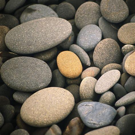 the pebble in my eyesurfing beach pebbles ipad wallpaper theme