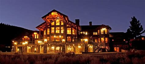 luxury cabin homes luxury log cabin homes that are at one with nature
