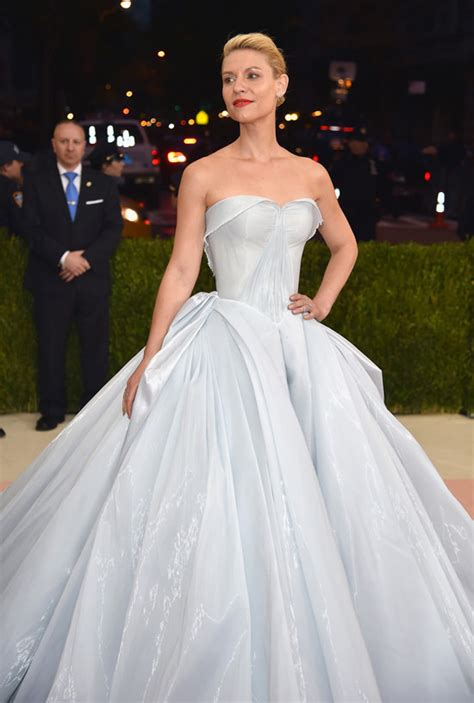 claire danes red carpet met gala 2016 claire danes in zac posen tom lorenzo