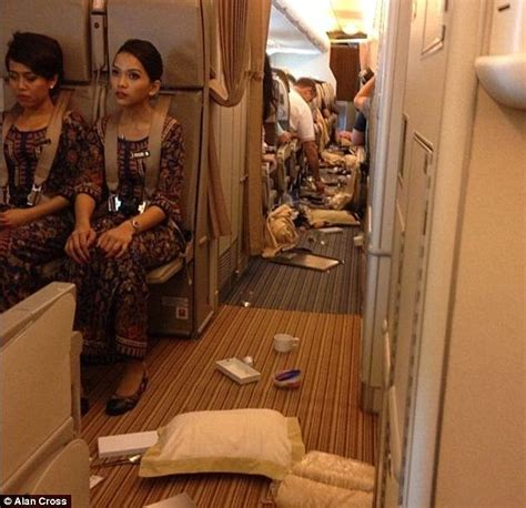 Sq Cabin Crew Salary by Singapore Airlines A380 Hits Turbulence And 22 Are