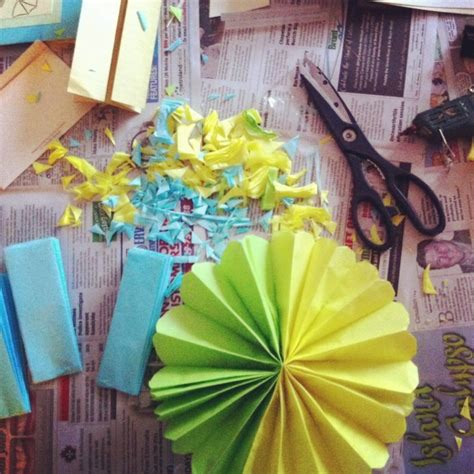 How To Make Paper Decorations For Baby Shower - diy 5 easy diy baby shower decorations singhnature