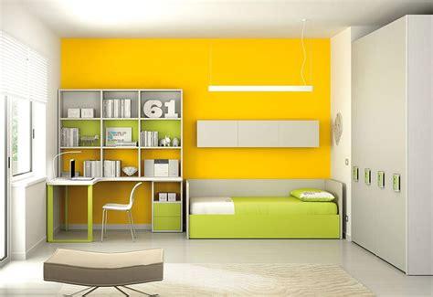 mensole per scrivania cameretta componibile con mensole scrivania e armadio