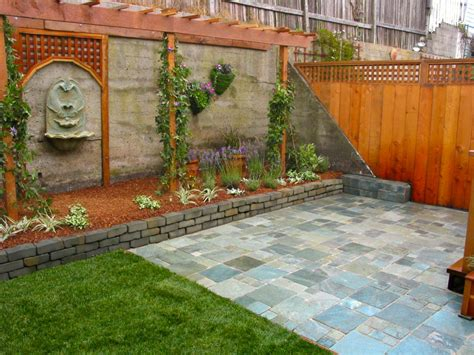 Outdoor Patio Walls by Amazing Outdoor Walls And Fences Outdoor Spaces Patio